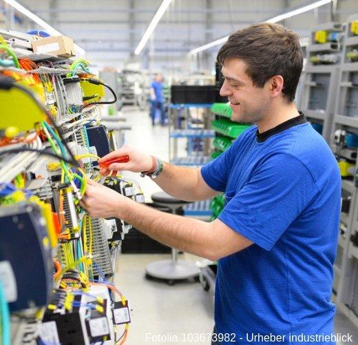 Lese alles wichtige zum Elektroniker für Automatisierungstechnik