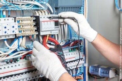 Hier erährst Du, wie Elektrotechniker Jobs ganz leicht finden.