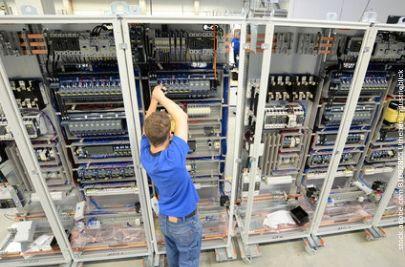 Elektrotechniker Gehalt - Übersicht und Unterschiede der Gehälter