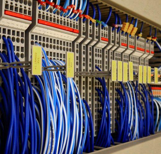 control-cabinet-2147395_1920