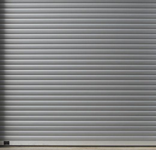 roll-up-door-3282516_1920
